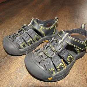 Keen boy sandal shoes size 10